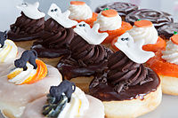 Wedding-Halloween Doughnuts 2014-370 (15272948079)