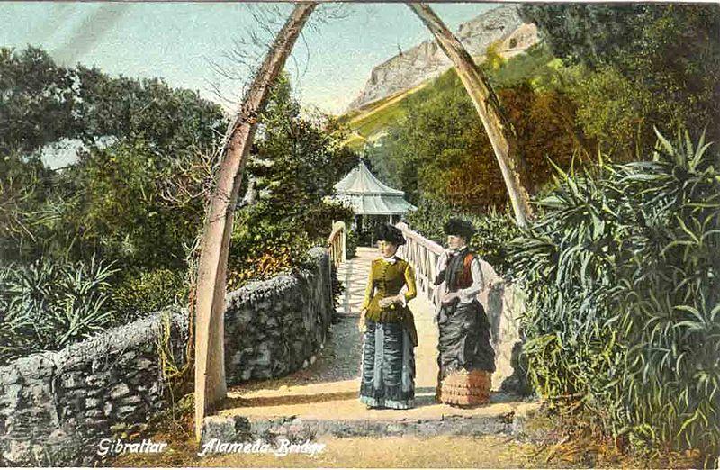File:Whalebone Arch, Alameda Gardens.jpg