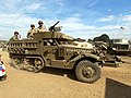 White halftrack, hoodno USA W4037084-S.JPG