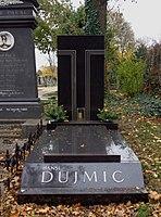 Wiener Zentralfriedhof - Gruppe 33A - Hansi Dujmic (2).jpg
