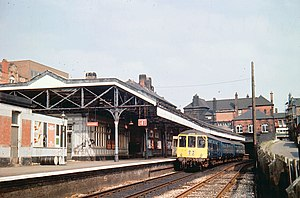 Wigan Wallgate railway station - Wigan Wallgate station platforms in 1976, before the buildings were replaced