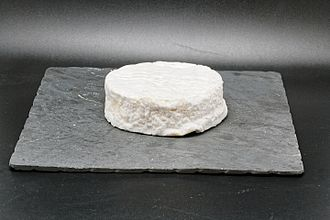 Coulommiers cheese - Image: Wikicheese Coulommiers 20150515 001