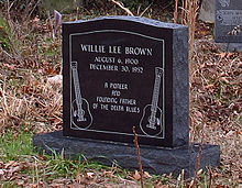 Willie Brown - grave.jpg