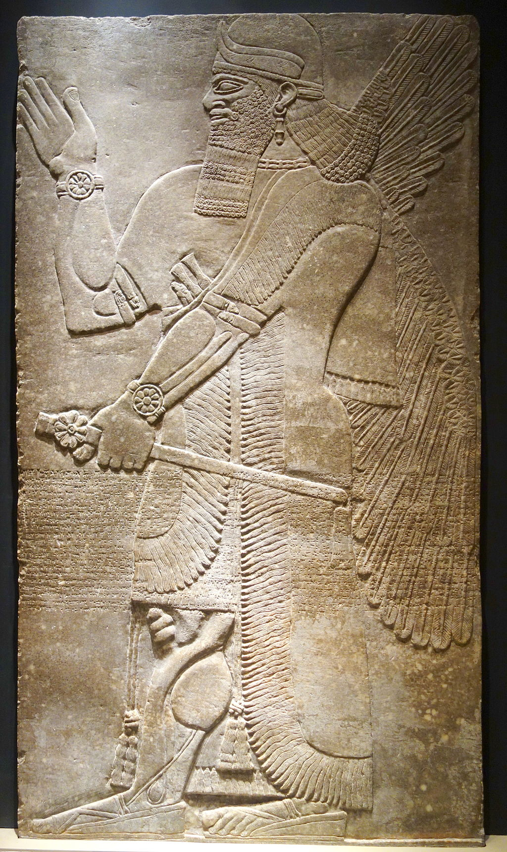 Winged protective deity, Northwest Palace at Calakh, Northern Iraq, Assyrian, reign of Assurnasirpal II, 883-859 BC, alabaster - Museum of Fine Arts, Boston - DSC02821