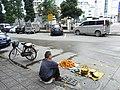 Xinhui 新會 Gangzhou Dadaozhong 岡州大道中 fruit businessman 生果小販 April-2012.JPG