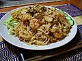 Yaki bihun (fried rice vermicelli).jpg