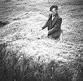 """""""Breme žlajha"""" t.j. s trto (leskovo) preveže vso spodnjo (zdaj zgornjo ploskev), Potoki 1951 (2).jpg"""