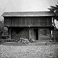 """""""Drvar?nca"""" (drvarnica) zgrajena leta 1940. Napravil lastnik Anton Borse. Dol. Maharovec 18 1952.jpg"""