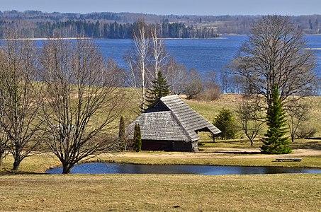 'Tirumnieki' pie Inesa ezera.jpg