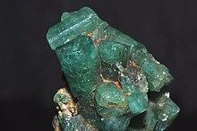 Smeraldo nella roccia