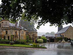 Étrépigny, église et château20050515.jpg