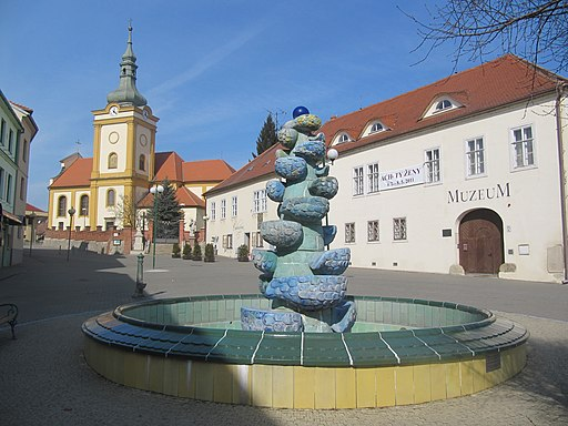 Šlapanice, náměstí