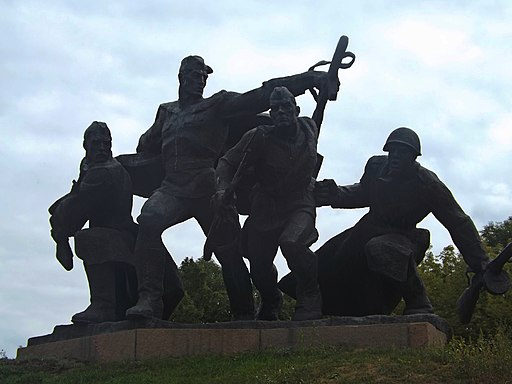Ансамбль меморіального комплексу в с.Балико-Щучинка