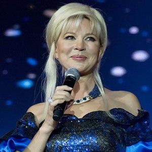 """Tatyana Vedeneyeva - Tatyana Vedeneyeva, ospite della trasmissione """"Legends of Retro FM 2009"""""""
