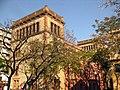017 Escola Industrial, pati de l'Escola del Treball.jpg