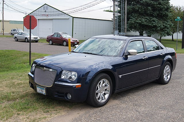 05 Chrysler 300 C (9346323764)