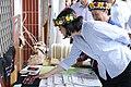 09.17 校方一一為總統介紹南王Puyuma花環實驗小學校園環境與族語教材 (37104925622).jpg