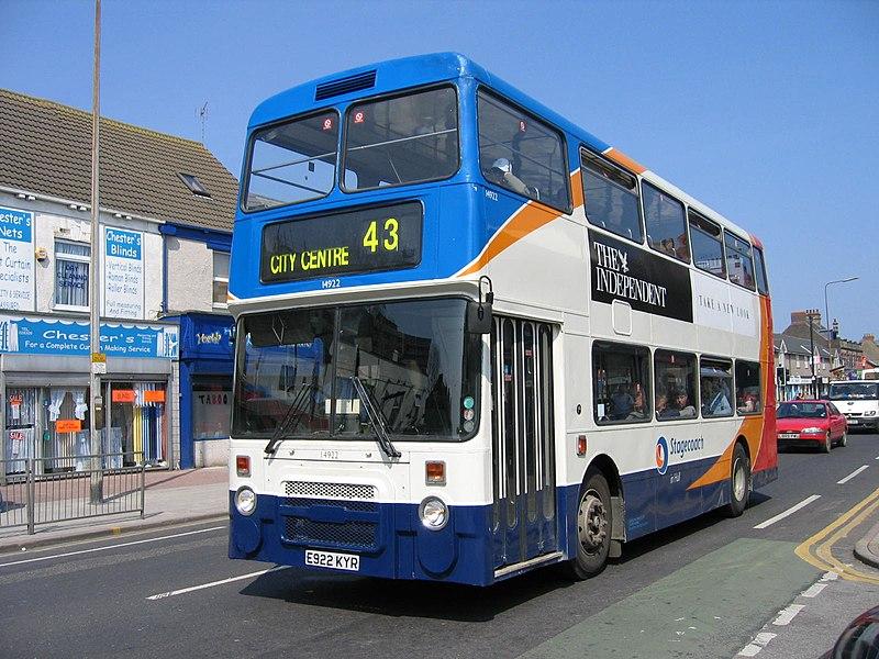 800px-14922_Hull_-_Flickr_-_megabus13601