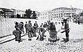 1908-03-28, Blanco y Negro, Servicios municipales, Alba (cropped) Nuevo uniforme y útiles nuevos para la limpieza de las calles de los barrenderos de la villa.jpg