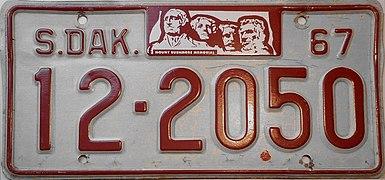 1967 South Dakota license plate.jpg