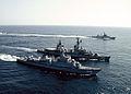 2006년3월13일 해군 함정기동 (7193821148).jpg