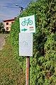 2012 Powiat wodzisławski, Skrbeńsko, Znak szlaku rowerowego na ulicy Zielonej.jpg