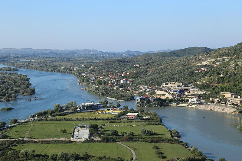 File:2013-10-03 View from Rozafa Castle, Shkodër 0315.jpg