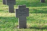 2017-09-28 GuentherZ Wien11 Zentralfriedhof Gruppe97 Soldatenfriedhof Wien (Zweiter Weltkrieg) (069).jpg