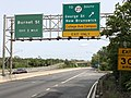 2020-09-14 13 47 22 View south along New Jersey State Route 18 at the exit for New Jersey State Route 27 SOUTH (George Street, New Brunswick, College Avenue Campus) in New Brunswick, Middlesex County, New Jersey.jpg