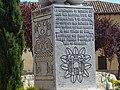 33 Cigales monumento obispo Antonio Alcalde lou.JPG