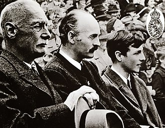 Prince Franz (right) with his father Duke Albrecht (center) and his grandfather Crown Prince Rupprecht, in 1948 3 Generationen Bayerisches Konigshaus.jpg