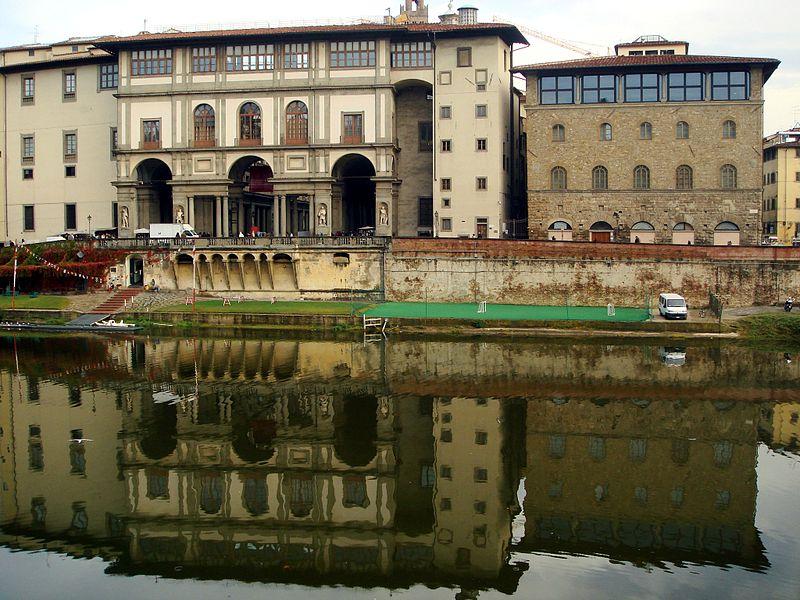 File:9752 - Firenze - L'Arno e gli Uffizi - Foto Giovanni Dall'Orto, 27-Oct-2007.jpg