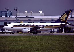 Airbus A310-324, Singapore Airlines AN0118392.jpg