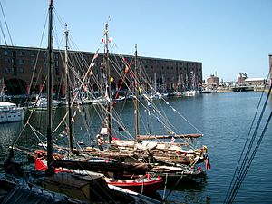 Albert Dock, Liverpool - 2003-06-13 (2).JPG