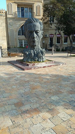 Aliagha Vahid -  Aliaga Vahid's monument in Ichery Sheher, Baku.