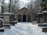 Alter-Suedl-Friedhof-Lapidarium-Winter-2013-02.jpg