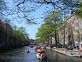 Amsterdam - Koninginnedag 2012 - Herengracht boats.JPG