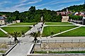 Ancy-le-Franc Château d'Ancy-le-Franc Schlossplatz.jpg