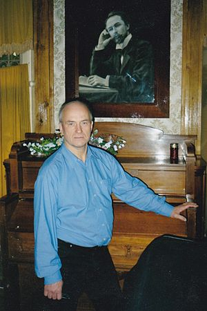 Andrej Hoteev - Andrej Hoteev in Scriabin museum, Moscow 2005 Prometheus-research