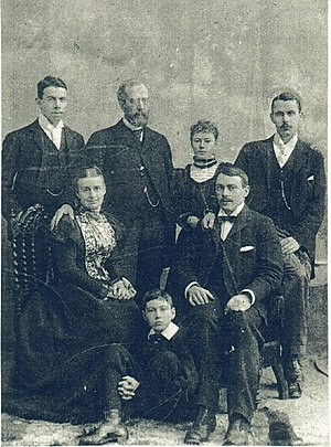 Thomas Andrews - Thomas (second from right) with family, circa 1895.