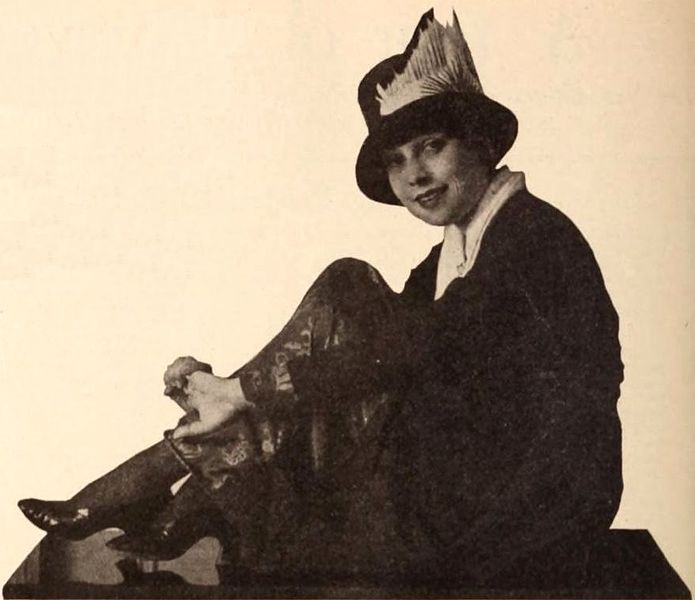 File:Anita Loos - Dec 1920 EH.jpg
