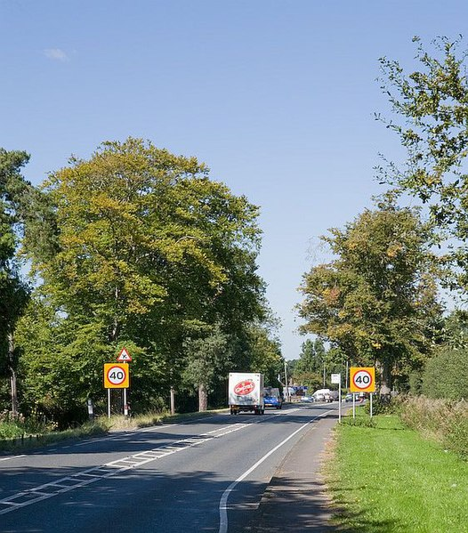 File:Approaching Lower Upham on B2177 Winchester Road - geograph.org.uk - 555150.jpg