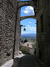 Assisi-alley01.jpg