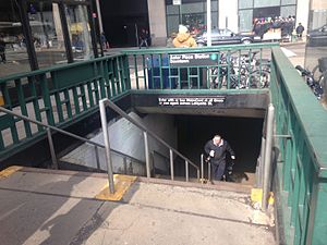 Astor Place (IRT Lexington Avenue Line) - Downtown entrance