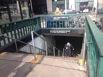 Astor Place (IRT Lexington Avenue Line) - Downtown entrance