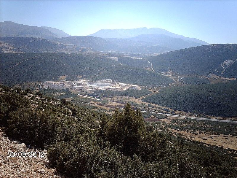 File:BARLA MERMER BEŞEVLER KÖYÜ YANI - panoramio.jpg