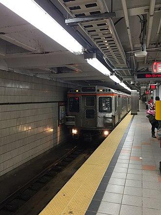 8th Street station (Philadelphia) - Image: BSL 8 Market 2018b