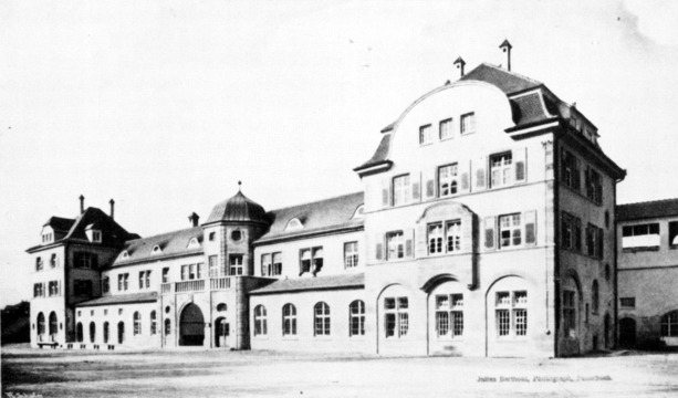 Station building from 1909, town side