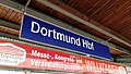 Bahnhofsschild Dortmund Hbf 180605.jpg