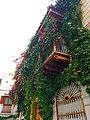Balcon de flores en cartagena.jpg